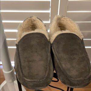 UGG Men's Slipper-LIKE NEW gently worn. NORDSTROM